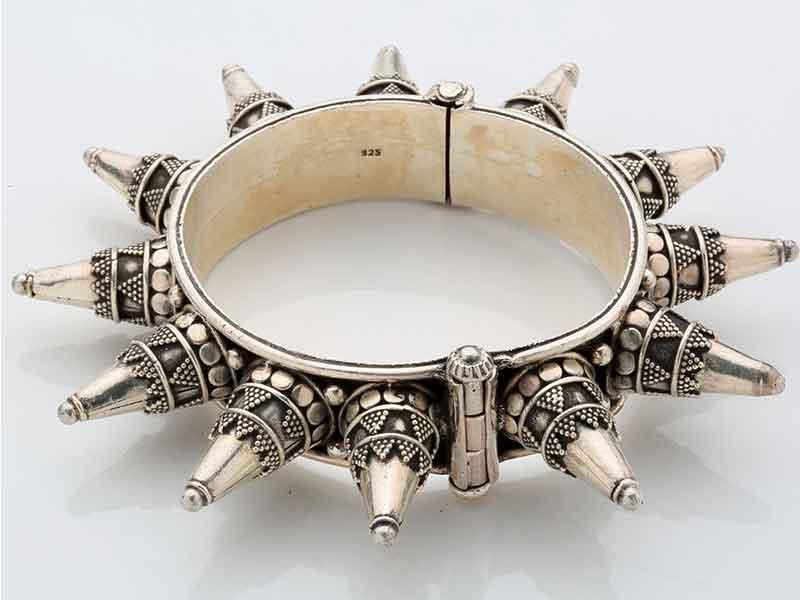 Antique Jewellery 100